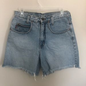 LEI Vintage High Waisted Light Wash Shorts M
